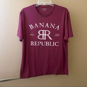💥3/$15 Banana Republic Maroon Shirt